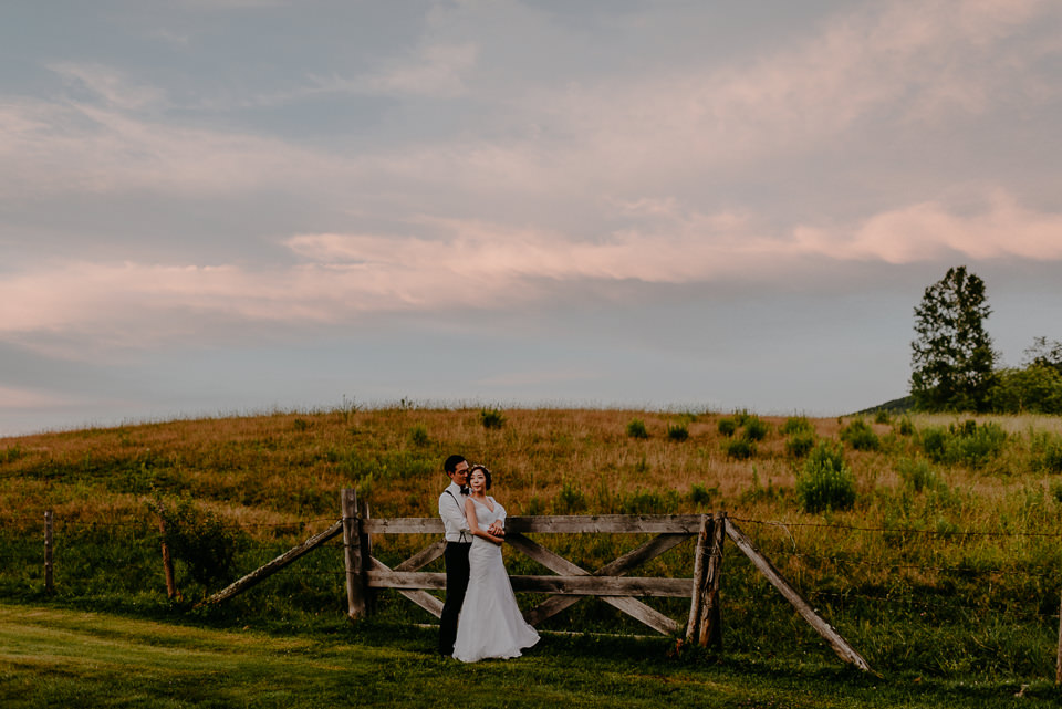 vermont-wedding-photographer-122 Vermont Wedding Photographer - Inn at Round Barn Farm Wedding