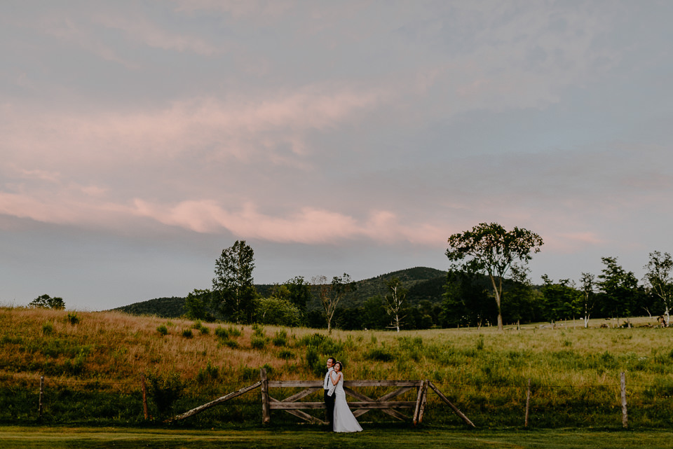 vermont-wedding-photographer-124 Vermont Wedding Photographer - Inn at Round Barn Farm Wedding