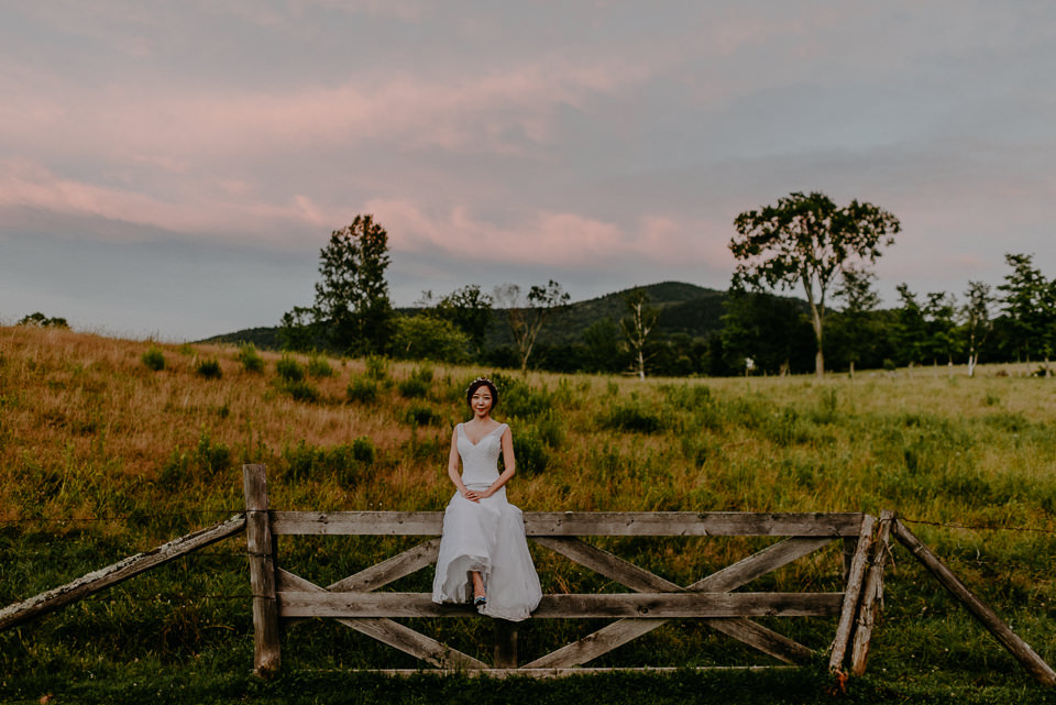 vermont-wedding-photographer-126 Vermont Wedding Photographer - Inn at Round Barn Farm Wedding