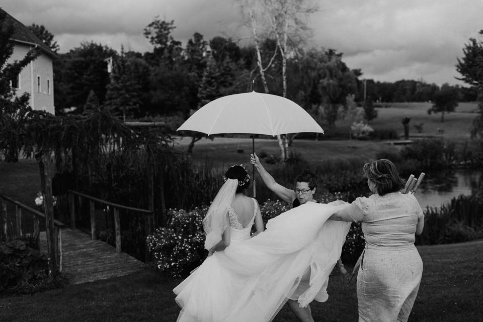 vermont-wedding-photographer-91 Vermont Wedding Photographer - Inn at Round Barn Farm Wedding