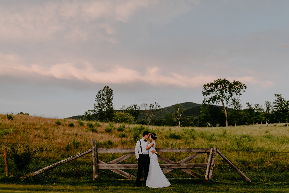 vermont-wedding-photographer-121 Vermont Wedding Photographer - Inn at Round Barn Farm Wedding