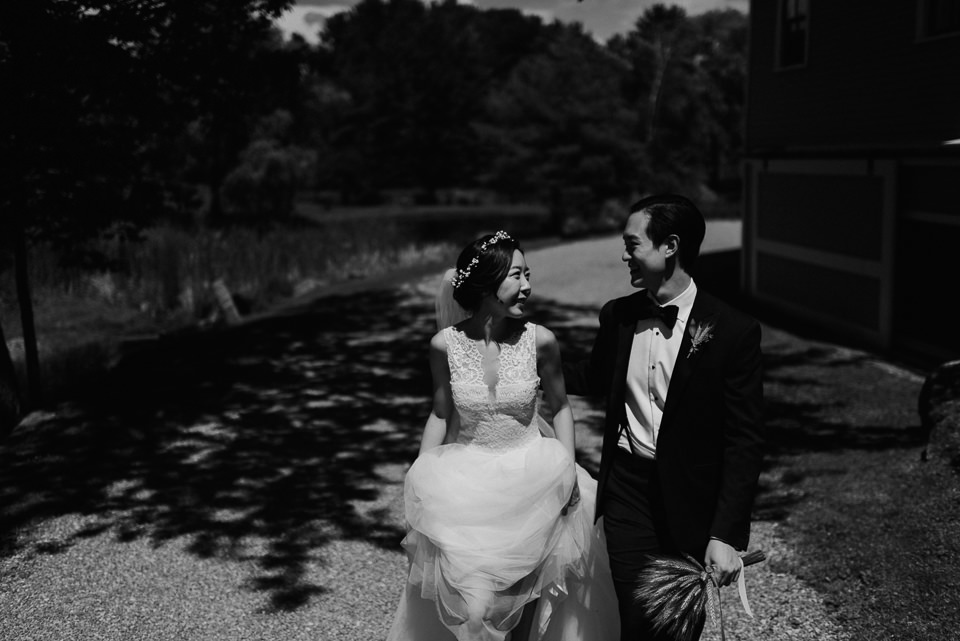 vermont-wedding-photographer-42 Vermont Wedding Photographer - Inn at Round Barn Farm Wedding
