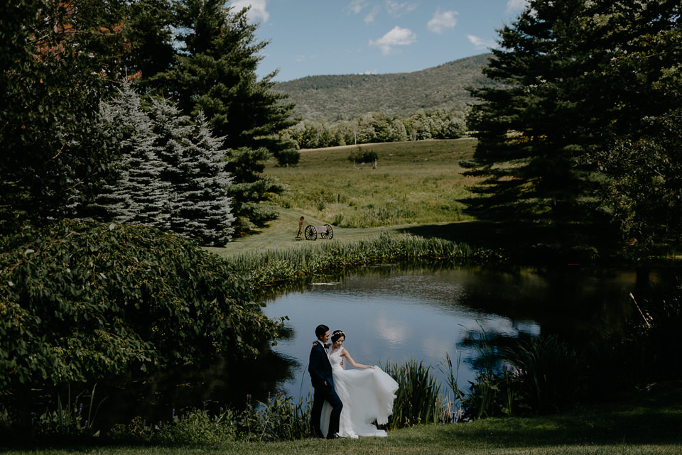vermont-wedding-photographer-51 Vermont Wedding Photographer - Inn at Round Barn Farm Wedding