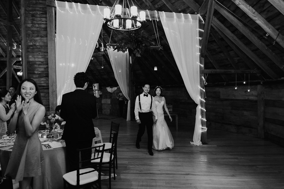 vermont-wedding-photographer-96 Vermont Wedding Photographer - Inn at Round Barn Farm Wedding